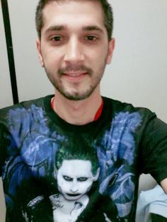 Olha aí o Alexandre Brasil com sua Camiseta Suicide Squad - Joker ;)