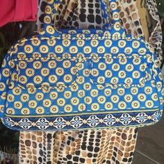I just discovered this while shopping on Poshmark: Vera Bradley retired Riviera…