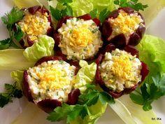 Sałatka w buraczanych kwiatkach   Smaczna Pyza Baked Potato, Potato Salad, Sushi, Eggs, Potatoes, Baking, Breakfast, Ethnic Recipes, Food Ideas
