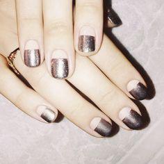 EstiloDF » ¡El metal se apodera de tus uñas!
