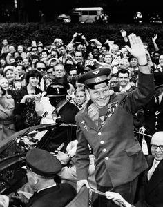 Gagarin visits Copenhagen.