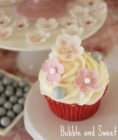 Bubble and Sweet: How to Host a Cupcake Decorating Birthday Party - Lilli's 9th Birthday Party