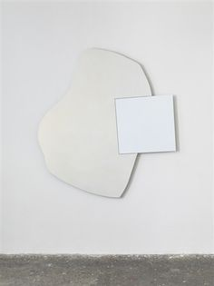 Bild by Imi Knoebel Imi Knoebel, Art Minimaliste, White Spirit, Abstract Words, Sculptures For Sale, Shape Art, Black And White Abstract, Frank Stella, Organic Shapes