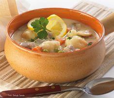 Hozzávalók:  40 dkg borjúcomb vagy -lapocka (esetleg sovány sertéshús vagy pulykafelsőcomb-filé), 8 dkg vaj, 1-1 sárgarépa és petrezselyemgyökér, 1-1 darabka zeller és karalábé, kb. fél kiskanál só, 1 csapott kiskanál ételízesítő por, 10 dkg ... Cook Books, Thai Red Curry, Soup, Meals, Cooking, Ethnic Recipes, Kitchen, Cookery Books, Meal