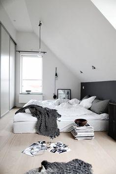 Sypialnia na poddaszu – jak ją urządzić? http://domomator.pl/sypialnia-poddaszu-ja-urzadzic/