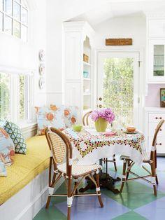 cottage dining nook