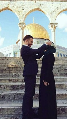 Find images and videos about masha allah couple and islam on We Heart It - the app to get lost in what you love Cute Muslim Couples, Cute Couples Goals, Romantic Couples, Muslim Brides, Muslim Women, Cute Love Couple, Best Couple, Muslim Couple Photography, Islam Marriage