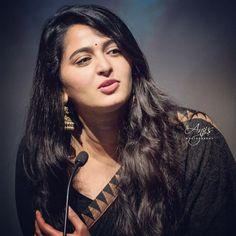 Anushka Images, Anushka Photos, South Actress, South Indian Actress, Beautiful Bollywood Actress, Beautiful Indian Actress, Indian Actress Hot Pics, Indian Actresses, Anushka Shetty Saree