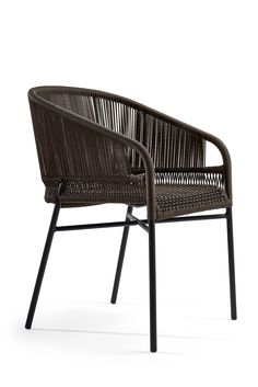 Outdoor furniture collection made of moka painted aluminum and hand made lanyard intertwining available in natural or mocha; this outdoor designer chair is used to decorate the best hotels and restaurants, perfect for Horeca but also for the home environment. #chair#cricket
