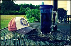 https://flic.kr/p/HkCugM | 5:00 PM, Monday | Back patio, Monday afternoon, 7 MPH breeze, 81 degrees, 30% humidity, grape soda on ice in my Bubba mug, and some paracord scraps to contemplate with...