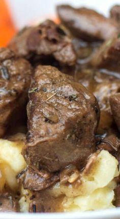Slow Cooker Beef Tips with Gravy Recipe! (beef tips slow cooker) Crockpot Dishes, Crock Pot Slow Cooker, Crock Pot Cooking, Beef Dishes, Slow Cooker Recipes, Crockpot Recipes, Crock Pots, Slow Cooker Steak Tips, Crock Pot Beef Tips