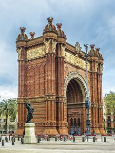 Triumphal Arch, Barcelona, Spain / Kalendář World Monuments 2017