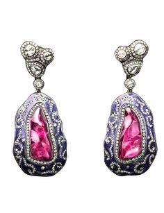 Gilan earrings.