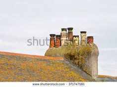stock-photo-glazed-chimney-pots-glazed-chimney-pots-glow-in-the-late-afternoon-light-on-a-summer-s-day-in-st-371747581.jpg (450×337)