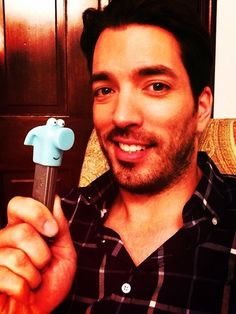 That's the hammer from Handy Manny! Scott Brothers, Twin Brothers, Jonathan Silver Scott, Great Scott, Douglas Booth, Rowan Blanchard, Derek Hough, Property Brothers, Enrique Iglesias