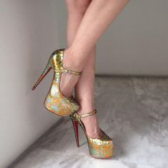 Fashion women style  #Fashion  #Style  #Shoes  #Christian #Louboutin
