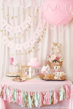 First Birthday Decor | Tassel Garland | Hot Air Balloon | Girl's Birthday Party | DIY Party Decor www.styleyoursenses.com