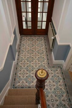 Nadia – cement tile Source by sandrinecourage Victorian Hallway Tiles, Tiled Hallway, Hall Tiles, Hall Flooring, Flur Design, Hallway Designs, Entry Foyer, Hallway Decorating, Home Deco