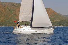 Bu güzel yelkenliyi 1 hafta kiralamak sadece 1370$ www.goldenyachting.com