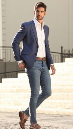 12 Boss Outfits Every Journalist Needs ASAP Whether you are just beginning or are already in the field, every journalist should own at least one boss-outfit. So check out these 12 boss-outfits now! Business Outfit, Business Casual Outfits, Mode Masculine, Blazer Outfits Men, Men's Outfits, Denim Outfit, Mens Fall Outfits, Blue Blazer Outfit Men, Blazer Jeans