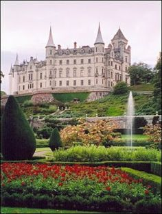 Historical Romance Author-Victoria Roberts: Dunrobin Castle