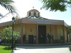 Mijas will argue in court that the plot where the San Manuel Church, in Las Lagunas was built in 1993, belongs to the Bishopric after a land swap deal.  The land was not legally transferred at the time and the Junta de Andalucia now opposes the decision, meaning that the church is not officially registered.  In exchange for the plot, Mijas coun