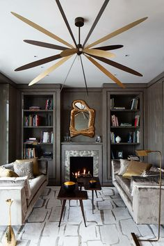 Luxury interior design projects to inspire you how you must decorate your home. This striking interior design ideas will make your home trendy than ever. Home Interior, Interior Design Living Room, Living Room Designs, Design Interiors, Modern Interiors, Luxury Interior, Design Salon, Deco Design, Decoration Inspiration