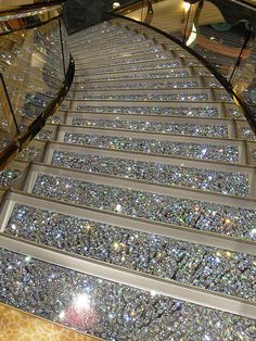 Swarovski Crystal Staircases on the MSC Fantasia. GASP and SWOON! I can soooooo see me sashaying down this sparkling staircase! I GOTTA have this! Boujee Aesthetic, Bad Girl Aesthetic, Aesthetic Pictures, Luxury Life, Luxury Homes, Luxury Cars, Glitter Photography, Stairway To Heaven, House Goals