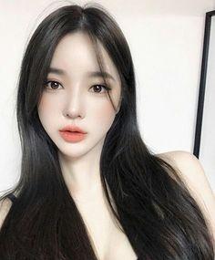 Yoon Ara, Korean Girl, Asian Girl, Teen Fashion Outfits, Makeup Inspo, Ulzzang Girl, Character Inspiration, Asian Beauty, Pretty Girls