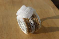 Crochet bracelet,  Burlap , White Rose, Summer Braselet, Textile Jewelry Beach Wedding