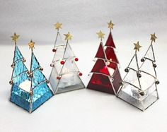 Creative DIY Christmas Candle Holders Ideas To Makes Your Room More Cheerful 08 Creative DIY Christmas Candle Holders Ideas To Makes Your Room More Cheerful 08 Stained Glass Ornaments, Stained Glass Christmas, Stained Glass Lamps, Stained Glass Designs, Stained Glass Panels, Stained Glass Projects, Stained Glass Patterns, Leaded Glass, Fused Glass