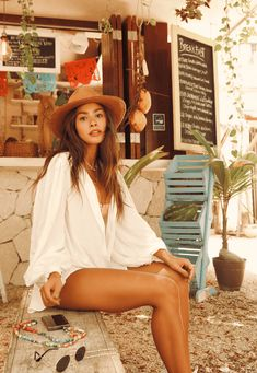 35251 camisa poema off mundo lolita 01 Off White, Hipster, Bohemian, Tulum, Instagram, Style, Fashion, High Collar Blouse, Bandeau Outfit