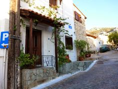 Travel Diaries: The Streets Of Crete