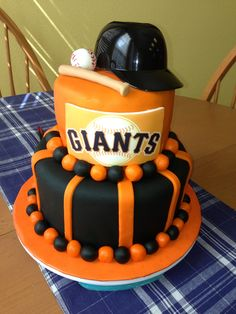 Piece of cake Giants fans? Giant Birthday Cake, Giant Cake, Pretty Cakes, Cute Cakes, Sf Giants Gear, San Francisco Giants Baseball, Different Cakes, Fancy Cakes, Amazing Cakes
