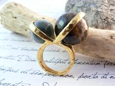 Gold plated sterling silver ring with natural Agate by mwaloni-:-:-:- Anillo de plata 925 con baño de oro y agatas naturales