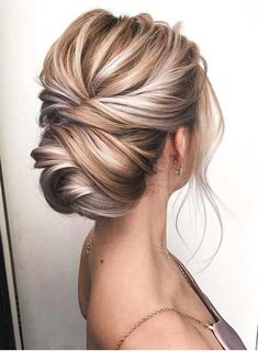 Obsessed with how this knotted updo shows off the dimensional blonde color ? Obsessed with how this knotted updo shows off the dimensional blonde color ? Blonde Updo, Blonde Bridal Hair, Blonde Prom Hair, Bride Makeup Blonde, Thin Blonde Hair, Blonde Balayage, Formal Hairstyles For Short Hair, Modern Hairstyles, Natural Hairstyles