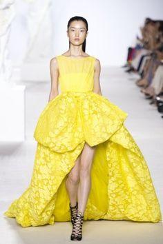 Giambattista Valli, abito giallo