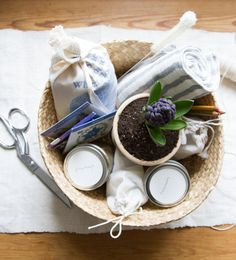 clutter-free easter basket | reading my tea leaves. Use ideas as a springboard for any future gift basket.