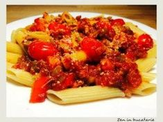 Paste cu ton si sos de rosii Spaghetti, Paste, Food And Drink, Meals, Chicken, Ethnic Recipes, Pizza, Tatoo, Meal