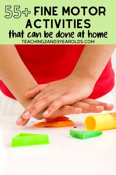 It's easy to strengthen fine motor skills at home with toddlers and preschoolers. I've put together over 55 fun activities that your kids will love! Free printable list included. #preschool #toddlers #finemotor #writing #activities #home #parents #homeschool #2yearolds #3yearolds #teaching2and3yearolds