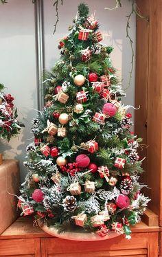Купить Настольная елка Лондон - ярко-красный, зеленый, елка, настоьная елка, корпоратив