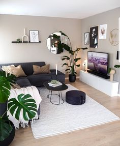 What do you notice first in this beautiful living room? Credits: What do you notice first in this beautiful living room? Cute Living Room, Living Room Decor Cozy, Bedroom Decor, Home Room Design, Home Interior Design, Living Room Designs, Interior Livingroom, Living Room Inspiration, Home Decor Inspiration