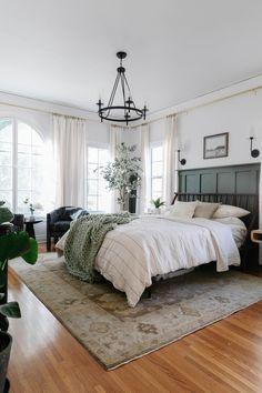 Bedroom Green, Room Ideas Bedroom, Bedroom Colors, Dream Bedroom, Bedroom Wall, Home Decor Bedroom, Decoration Inspiration, Room Inspiration, Big Bedrooms