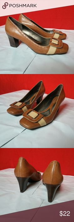 Naturalizer TATTA Classic Pumps 6M Shoes are in pre-loved good condition. Heel height is 2 1/4 inches. Naturalizer Shoes Heels