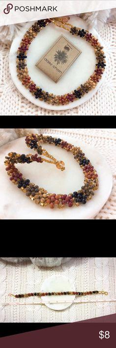 🌸 Daisy Chain Beaded Choker Necklace 🌸 🌸 Cute Daisy Chain: Wood Beaded Choker Necklace 🌸 New with tag NWT, Never use Jewelry Necklaces