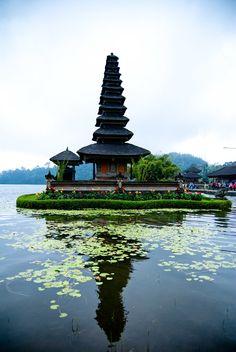 Bali, Indonesia https://www.stopsleepgo.com/vacation-rentals/bali/indonesia