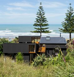 A Group Of Interconnected Sheds Make Up This Beachside Family Home