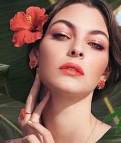 Dolce & Gabbana Tropical Spring Makeup Collection Spring 2017 -  Vittoria Ceretti