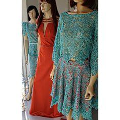 Vitrine MARAVILHOSA da semana! ♡   ••》Whatsapp 43 9148-2241  ☎  43 3254-5125.    Rua Rio Grande do Norte, 19 Centro - Cambé-Pr  #dressparty #glamour #details #luxo #temnacarolcamilamodas #euqueroo #festa #lançamento #formatura #casamento #15anos #cocktaildress #dresses #guipir #fashion #style #dream #ladylike #handmade #bordados #venhaseapaixonar #carolcamilamodas #querootudo
