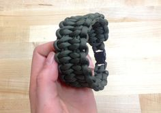 How to Make a Paracord Bracelet: Blaze Bar Quick Deploy DIY Ready   DIY Projects   Crafts - DIY Ready   DIY Projects   Crafts
